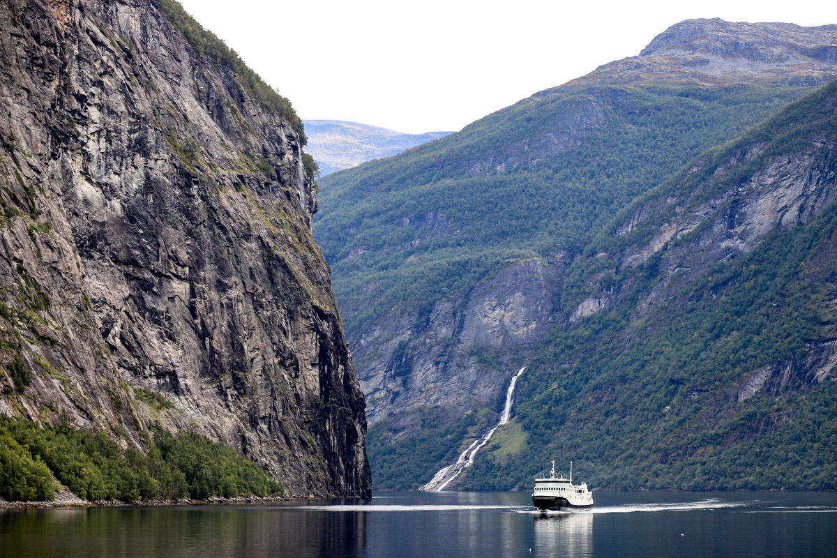 Mit der Fähre durch den Geirangerfjord